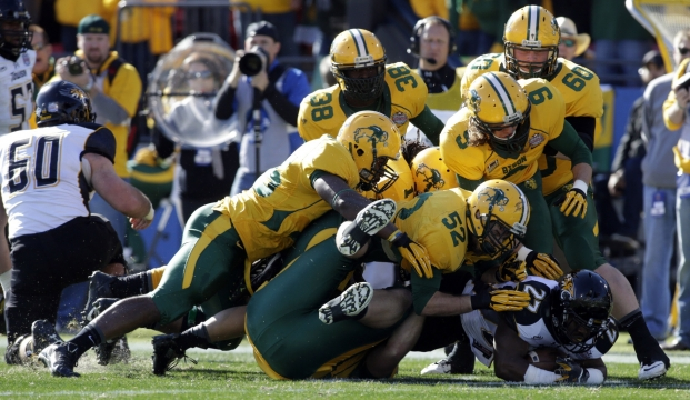 usatsi_ndsu-defense-0104